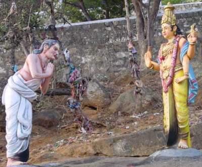 Avvaiyar's vision of Murugan